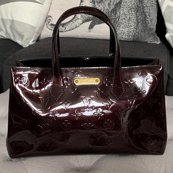Louis Vuitton Handbags - LOUIS VUITTON Vernis Wilshire PM GUARANTEED 💯